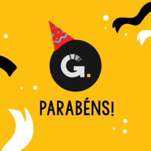 Ilustração da logo do studio com um chapéu de aniversário