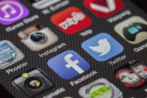 Imagem com ícones de redes sociais